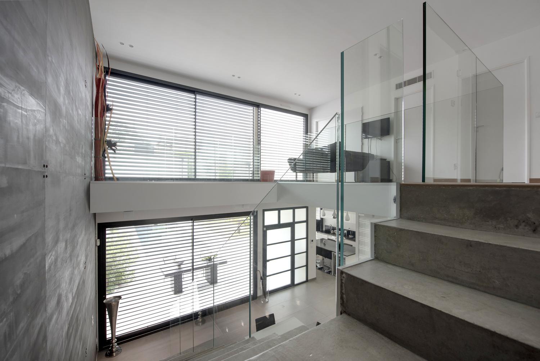 Maison Moderne Avec Escalier B Ton Et Garde Corps En Verre S Lection Artisanale