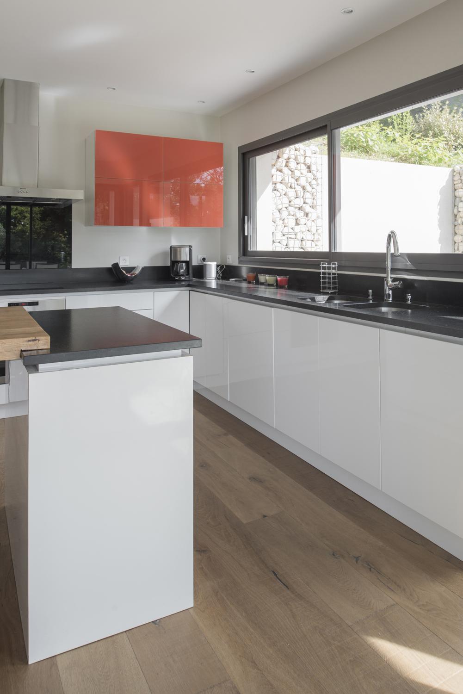 Maison moderne - cuisine design   Photos intérieurs ...